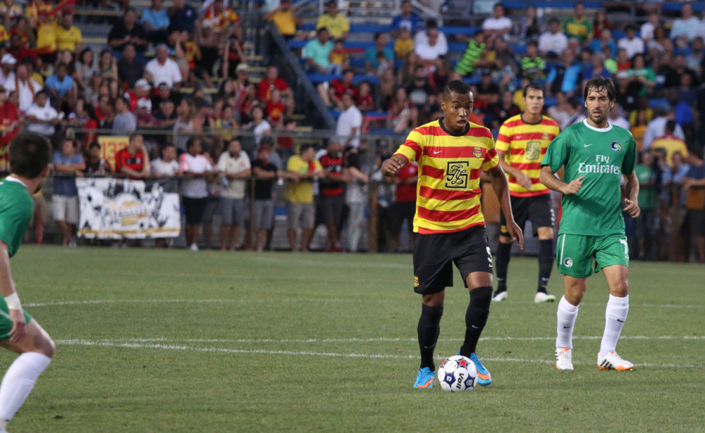 FTL's Marlon Freitas dribbles the ball as NYC's Raul looks on (Photo: Fort Lauderdale Strikers)
