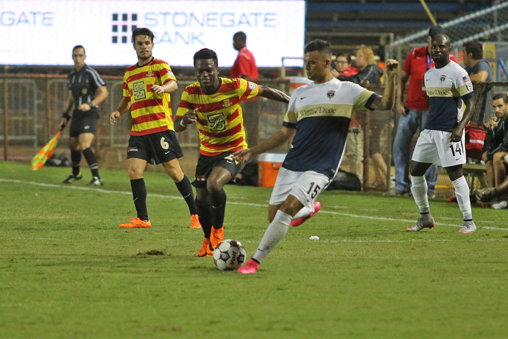 Walter Ramirez and Sean Nicklaw (Photo: Fort Lauderdale Strikers)