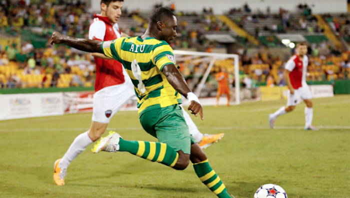 Freddy Adu lines up a cross. (Photo: Tampa Bay Rowdies)
