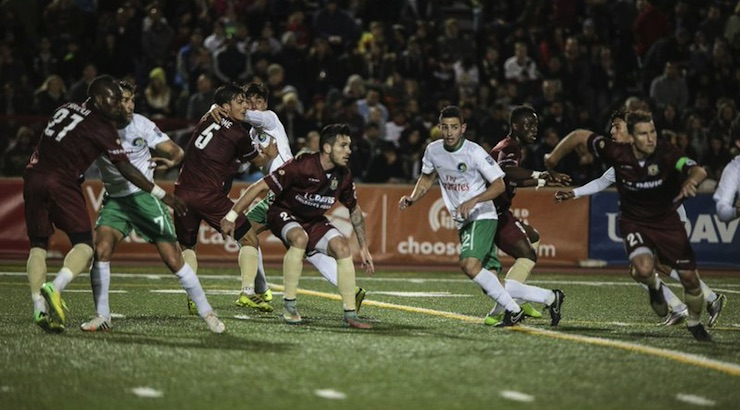 The Cosmos tangle with the Republic in a 2015 preseason match (Photo: Sacramento Repubic)