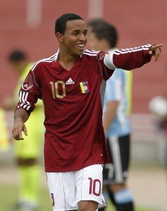 Venezuela's Yohandry Orozco celebrates after scoring his first goal against Argentina during their Group A soccer match during the Conmebol U-20 championship in Arequipa, January 22, 2011. REUTERS/Pilar Olivares